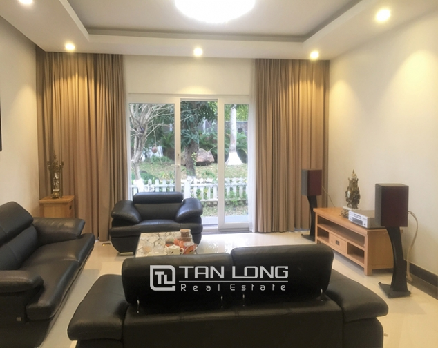 Beautiful 4 bedroom apartment in Vuon Mai, Ecopark to rent, full of luxurious furniture
