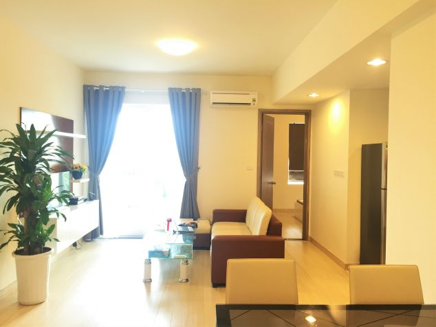 Modern and good furniture apartment for rent in Ecopark.