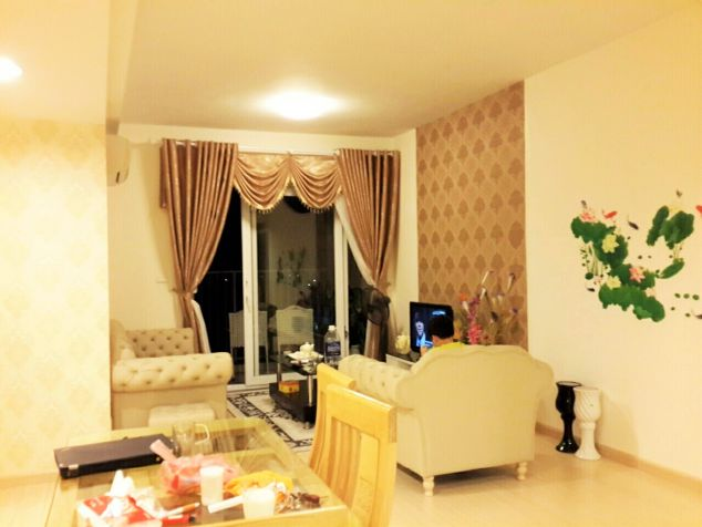 Stunning and fully furnished apartment for rent in Ecopark.
